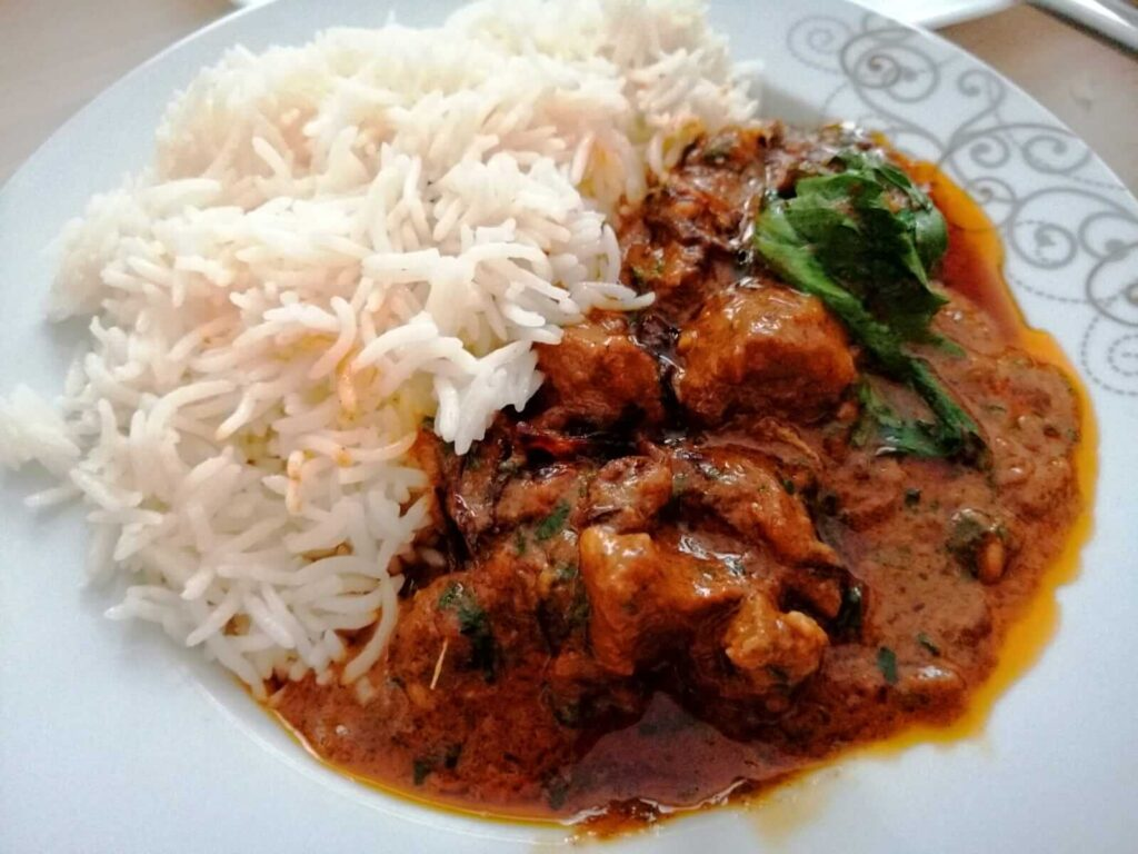 اللحم مع الأرز البسمتي