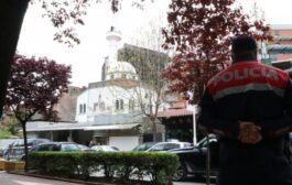 طعن 5 مصلين داخل مسجد في ألبانيا والجاني